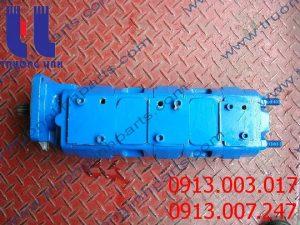 Bơm thủy lực xe cẩu KATO KR25H-3 , KR25H-V , NK450B-V , NK500B-V , NK200H-V , NK300B , NK800 , NK400