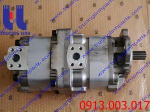 Bơm thủy lực bánh răng xe ủi KOMATSU D155 . P/N : 7055130290