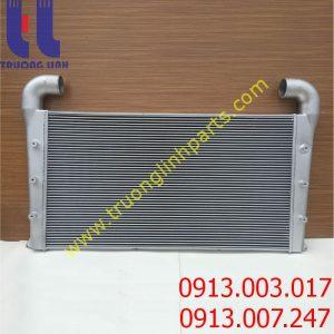 Két làm mát khí nạp intercooler xe KOBELCO SK250-8 , SK260LC-8 , SK330-6E , SK330-8 , SK200-8 , SK350LC-8